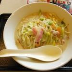リンガーハット - 料理写真:長崎ちゃんぽん・麺二倍