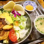 ベトナム料理コムゴン - カクニランチ d(^_^o)