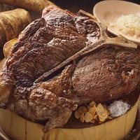 ブラックアンガス牛のTボーンステーキ