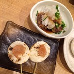 焼鳥 よしおか - 山芋(手前)と椎茸肉詰め(奥)