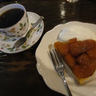 カフェ GOTO - 料理写真:ブレンド+タルトタタン