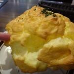 星乃珈琲店 - ◆ふわふわスフレドリア(950円)・・このスフレのボリューム、嬉しくなりますね。 軽い食感ですので見た目ほどボリュームはありません。