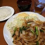 龍園 - 料理写真:豚肉玉葱炒め定食