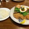 洋食屋 - 料理写真:カリカリ衣のポークカツレツ 1000円