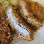 エルフィンルーク - 神戸ポーク150gのとんかつ、岩塩で食べると肉が甘い!