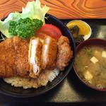 藤屋食堂 - ソーストンカツ丼@1030円 お味噌汁 お新香付き
