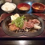 牛庵 - 鉄板すきやき(ランチ)990円