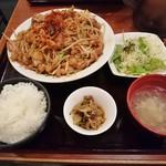 博多 慶州 - 焼ホルモン定食 900円