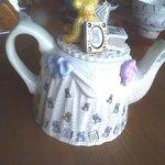 マダム ケイ - 可愛いクマさんの洋ポットですが、中国茶のジャスミンティーです