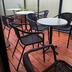 エスプリ・ド・ビゴ - 二階カフェスペースのテラス