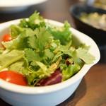 ソイ マルヤマ - サラダ