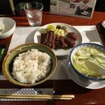 たんや善治郎 - 牛たん定食
