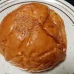 須恵の郷 - 料理写真:石窯焼き粒あんぱん(130円)