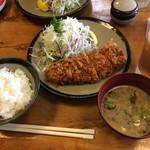 とんかつ 高座 - ご飯と味噌汁つき