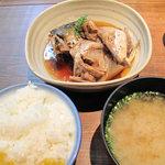 丸秀 - 荒炊き定食680円。