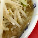 ラーメン二郎 - スープはド乳化