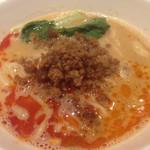 ドゥ エピセ - いつもの担々麺