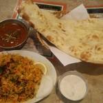 インドヤレストラン - ベジタブルビリヤニとマトンカレーセット