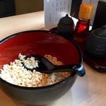 希の華 - 揚げ玉、醤油、ラー油でお味調整!