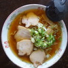 すがい食堂 - 料理写真:喜多方ラーメン(\650税込み)かなり金がかかっているスープなので小さめの器になります