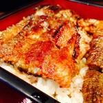 美味鰻彩 うな次郎 - 料理写真:鰻重(上)薄いので一尾でもぺろっと食べられます♡