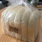 パン工房 MUGIYA - 天然酵母ナチュラル食パン(砂糖不使用)360円