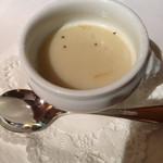 レストラン・マッカリーナ - 越冬メークインのポタージュ