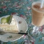 ブルートズ・カフェ - メロンショートケーキとアイスティー