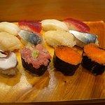 鮨 さるたひこ - ランチのお寿司 なのでシャリ大きいです