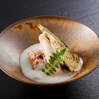 カニ味噌ベシャメルがけ…1,000円