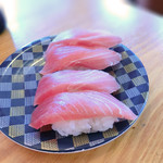 寿司居酒屋 日本海 - 中トロ2皿分