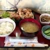 まんぷく処たぬき - 料理写真:から揚げ定食 半ライス 700円