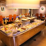 レストラン ストックホルム - スウェーデンの伝統料理『スモーガスボード』