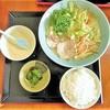 億万両 - 料理写真:野菜ラーメン(650円)に白飯をプラス