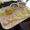 ジット ワールドキッチン - 料理写真:Bランチセット(ほうれん草とチキンのカレー、豆とオクラのカレー)