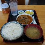 永井食堂 - 「煮込み定食」 590円(ご飯少なめ)