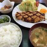 福寿 - 料理写真:とんかつ定食=800円