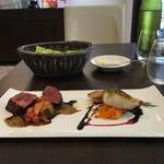ビストロ ル・セール - poissonsはスズキのポアレ viandesはカンザス牛のロースト