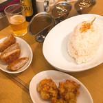 東京カレー屋名店会 - 3点セットライス大(ビーフカレー、欧風ビーフカレー、牛タンカレー) 唐揚げ、一口とんかつトッピング