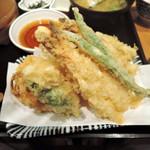 天吉屋 - 天ぷら定食でイケます
