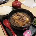とんかつ 麻釉 - 肉豆腐定食750円(内税)。