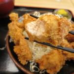 とんかつ 麻釉 - 鶏むね肉のから揚げでした。