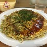みっちゃん総本店 - そば肉玉子
