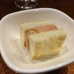 潟潟ヤ - あん肝のコンフィのトースト