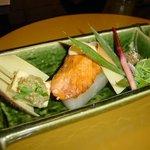四季亭 - 桜鱒の白酒焼きに味噌豆腐田楽