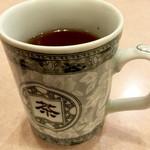 源来酒家 - マグカップでジャスミン茶