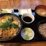 角清 - 親子丼には蕎麦が付きます       900円