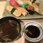 回転寿司日本一 - 赤出汁☆結構イケますよ