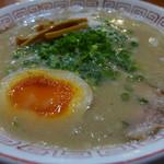 だるま大使 - だるま(ノーマルの豚骨・720円)