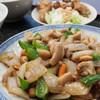 九龍飯店 - 料理写真:週替わりランチ(鶏肉とカシューンッツの炒め)750円/2016年7月